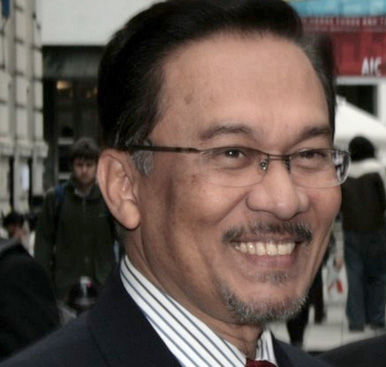 http://pemudasarawak.files.wordpress.com/2009/02/jul07_anwaribrahim.jpg